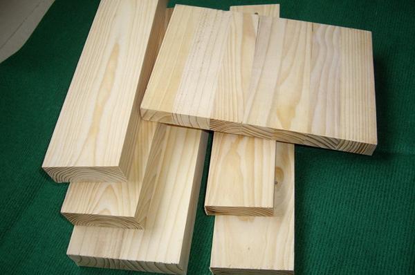 首页 橡胶木指接板今日价格行情  橡胶木,材质密度好,木纹清晰,它被